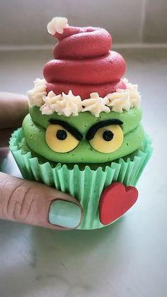 Baking Cupcakes, Yummy Cupcakes, Cupcake Recipes, Cupcake Cakes, Dessert Recipes, Cupcake Ideas, Cup Cakes, Baking Recipes, Christmas Cupcakes