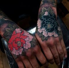 Japanese hand tattoos by @elliottwells666.  #japaneseink #japanesetattoo #irezumi #tebori #colortattoo #colorfultattoo #cooltattoo #largetattoo #handtattoo #flowertattoo #peonytattoo #newschool #newschooltattoo #blackwork #blackink #blacktattoo #wavetattoo #naturetattoo