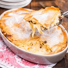 """Schusterstrudel"" mit Topfen-Nudel-Fülle Schuster, Apple Pie, Peanut Butter, Ethnic Recipes, Desserts, Food, Sweet Recipes, Cooking Recipes, Backen"