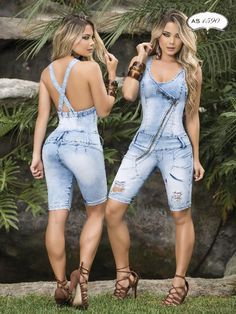Stretch fabric Denims are the best suited for Skinny Jeans as it hugs the body and Gives the effect Desired Past Which Makes you look Slimmer. Shapes your hips gluteus and thighs Colombian design comple outfits super stretch stunning jumpsuits Capri Outfits, Casual Outfits, Cute Outfits, Fashion Outfits, Womens Fashion, Short Sundress, Low Rise Skinny Jeans, Sexy Jeans, Denim Outfits
