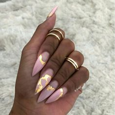 """XOXO // use my uber code """"daijaha1"""" to get $15 off your first ride. #stilettonails"""