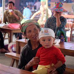 Family matters #family #market #marketlife#marketfood  #localmarket #bachamarket #vietnam #northvietnam #vietnampeople #portrait #onlyinvietnam #ontheroad #hondawin #travel #exploreasia #travelgram #traveldeeper #viaggio #instatravel #sabbatical #aroundtheworld #seetheworld #globetrotter #nomad #gipsy #zainoinspalla #backpacking #backpacker #discover #day120 by tariz