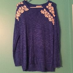 Sweater Blue scoop neck sweater with lace flowers on shoulders Sweaters Crew & Scoop Necks