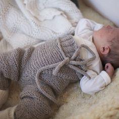 Paelas baby - Omslagabukse/shorts, knytevest og knestrømper (norwegian – paelas