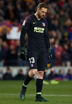 Jan Oblak of Atletico de Madrid reacts during the La Liga match between FC Barcelona and Club Atletico de Madrid at Camp Nou on April 2019 in Barcelona, Spain. Get premium, high resolution news photos at Getty Images Marc Andre, Camp Nou, Best Online Casino, Sports Brands, Funny Animal Videos, Goalkeeper, Fc Barcelona, Soccer, Sporty