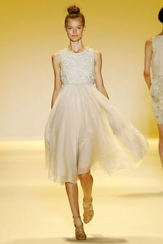 This would make a lovely wedding dress (via Greedy Girl) by riczkho