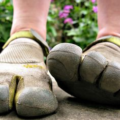 How to Transition Into Barefoot Running Shoes - toe scrunching exercises.