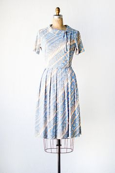 vintage 1950s blue tan graphic print day dress
