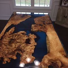 Walnut epoxy resin table with walnut epoxy consollive Table Transparente, Diy Resin Table, Wood Table Design, Resin Furniture, Walnut Table, Coffe Table, Wood Rounds, Resin Art, Credenza