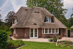 Een rieten dak, zoals je het graag ziet