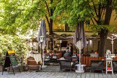 Die schönsten Schanigärten Wiens 3 | Stadtbekannt Wien | Das Wiener Online Magazin Vienna Food, Hallstatt, Heart Of Europe, Innsbruck, Places To Visit, Villa, Outdoor Decor, Frankfurt, Travel