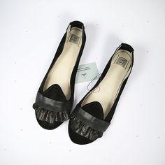 The Ruffled Loafers in Black Handmade Leather Flat by elehandmade