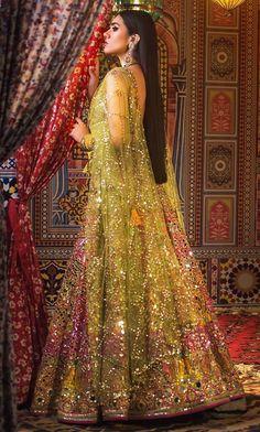 Bridal Mehndi Dresses, Mehendi Outfits, Pakistani Wedding Outfits, Indian Bridal Outfits, Indian Bridal Fashion, Bridal Lehenga Choli, Pakistani Bridal Dresses, Pakistani Wedding Dresses, Punjabi Fashion