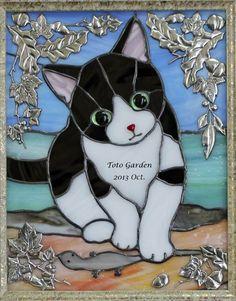 は・・はなしてくれる? Modern Stained Glass, Stained Glass Quilt, Faux Stained Glass, Stained Glass Designs, Stained Glass Projects, Stained Glass Patterns, Cat Quilt, Glass Animals, Cat Pattern