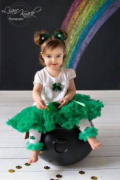 Patricks Day outfit photo idea of the day march Holiday Mini Session, Mini Sessions, Holiday Photos, Christmas Photos, St Patrick's Day Outfit, Outfit Of The Day, Baby Pictures, Baby Photos, St Patrick's Day Photos