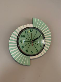 Colour Etched Lucite Formica Wall Clock from Royale - Midcentury Seventies Split Atom Retro style in Smeg Fire King Jadeite & White Colour Blocking Interior, Novelty Clocks, Sunburst Clock, Wall Clock Hands, Cool Clocks, Modern Clock, Wall Clock Design, Mid Century Design, Clock Faces