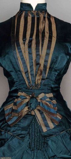 Dress (image 4) | 1880 | silk satin | Augusta Auctions | November 11, 2015/Lot2