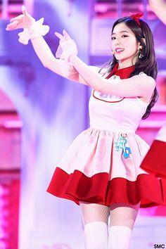 161119 RED VELVET at 2016 MelOn Music Awards - Irene Red Velvet アイリーン, Red Velvet Irene, Stage Outfits, Kpop Outfits, Seulgi, Korean Celebrities, Celebs, Miss Girl, Redvelvet Kpop