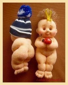 Reciclando calcetines, puedes hacer esta muñeca. Tutorial de fotos en inglés. Recycling socks: Sewing doll tutorial