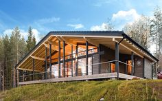 FELICITA 238 - Prefab house / contemporary / glue-laminated wood / energy-efficient by Lumi Polar Prefab Homes, Cabin Homes, Chalet Canada, Wood Architecture, House Roof, Tropical Houses, Small House Plans, House In The Woods, Bungalow