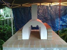 Pizza oven brickoven walls coming up