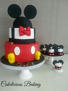 Disneyland Birthday, 3rd Birthday Cakes, Mickey Cakes, Mickey Mouse Clubhouse Birthday, Mickey Mouse Cake, Baby 1st Birthday, 1st Birthday Parties, Mickey Mouse Y Amigos, Fiesta Mickey Mouse