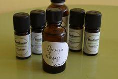 Si vous partez bientôt en vacances,cette recette est faite pour vous ! Découvrez notre synergie cicatrisante et anti-moustiques à base d'huiles essentielles