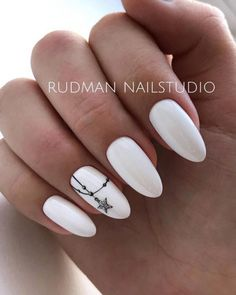 Cutest Christmas Nail Art DIY Ideas Christmas nails are that necessary component of your good vacation look. that's why we have a tendency to are suggesting to your attention this recent Christmas nail art. Winter Nails 2019, Winter Nail Art, Winter Nail Designs, Nail Art Designs, Cute Christmas Nails, Xmas Nails, Christmas Diy, Short Nails Art, Long Nails