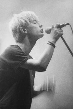 Thom Yorke - #Radiohead - Live at Sopot Festival. Poland, 1994