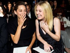 Star Tracks: Monday, September 29, 2014 | MADE YOU LAUGH | This is how you have fun with fashion! Marion Cotillard and Dakota Fanning get a case of the giggles – in the front row! – at the Dior show during Paris Fashion Week on Friday.