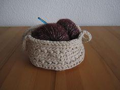 Korb selbst häkeln aus XXL Baumwollgarn  #diy #crochet #basket #utensilo