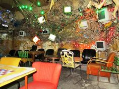 An astounding design in a typical Budapest ruin pub, truly reflecting the pubs' underground atmosphere.
