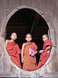 Moines Theravada en #Birmanie