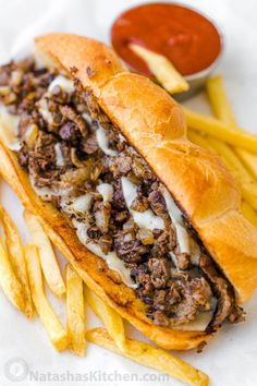 Philly Cheesesteak with tender ribeye steak, melted provolone, and caramelized onion in a garlic butter roll. Easy Philly Cheesesteak Sandwich video how-to. Philly Steak Sandwich, Steak Sandwich Recipes, Deli Sandwiches, Steak Recipes, Cooking Recipes, Homemade Sandwich, Steak Cheese Sandwich, Sandwich Recipes, Barbecue