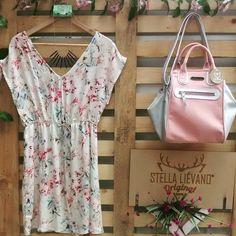 ¿Qué tal una ocasión especial con tu pareja o amigos ? Stella Liévano te recomienda este outfit. Transversal 39 a #71-10 (Laureles) Wapp: 3003619446 - 3002180923.