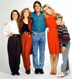 Who's The Boss? A TV Land Classic Sitcom starring (from left to right) Alyssa Milano, Katherine Helmond, Tony Danza, Judith Light and Danny Pintauro Alyssa Milano Hair, Boss Tv, Serie Charmed, Tony Danza, Tv Themes, Tv Show Casting, All Tv, Female Fighter, Star Wars