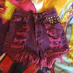 STUDDED HIGH WAISTED LEVI CUTOFF SHORTS PINKISH PURPLE WITH STUD DETAIL ABOVE FRONT POCKET Levi's Jeans
