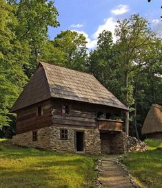 Avram-Iancu Romania Alba traditional romanian house - rural romanians didn't change much since the days when their country was called Dacia Rural House, Tiny House Cabin, Cabin Homes, Log Homes, Vernacular Architecture, Natural Building, Cabins And Cottages, Stone Houses, Traditional House