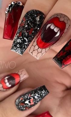155 scary halloween nail art design ideas for the coming halloween -page 25 > Ho. - My best Nail list Holloween Nails, Halloween Acrylic Nails, Halloween Nail Designs, Bling Nails, Swag Nails, Grunge Nails, Cute Nails, Pretty Nails, Cotton Candy Nails