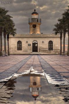 faro de Roquetas de Mar (Almería)   Flickr: Intercambio de fotos