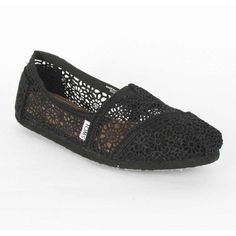 Toms Womens Slip Ons Shoes 001096B1001 Classic Black Crotchet ($50) ❤ liked on Polyvore featuring shoes, flats, toms, rubber slip on shoes, crochet flats, rubber sole shoes, crochet flat shoes and flat pumps #WomenSlip-OnsShoes