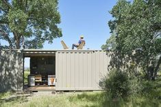 Shipping container cabin goes off-grid in California wilderness - Curbed
