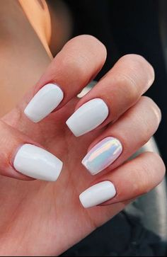 20 Cute Summer Nail Designs For 2019 While having an eye-catching manicure is a great idea all year round, there's something about summer that makes you feel more adventurous. Whether it's embracing ultra-bright. Gel Acrylic Nails, Summer Acrylic Nails, Gel Nails, Coffin Nails, Cute Summer Nail Designs, Cute Summer Nails, Easy Nail Designs, Cute Toenail Designs, Summery Nails