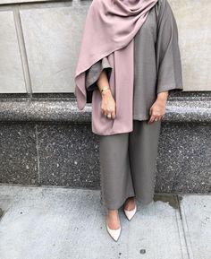 Pakistani Fashion Casual, Iranian Women Fashion, Modern Hijab Fashion, Abaya Fashion, Muslim Fashion, Modern Outfits, Modest Fashion, Fashion Outfits, Fashion Clothes
