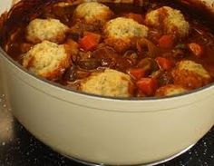 Wonderful slow cooker recipe that is a great meal for a cold winters night. Steak and Kidney Stew is a easy recipe to make in the slow cooker and the whole family will enjoy. The dumplings make this stew even better. Slow Cooker Steak, Slow Cooked Beef, Slow Cooking, Steak Recipes, Slow Cooker Recipes, Crockpot Recipes, Beef Stew With Dumplings, Easy Dinner Recipes, Easy Meals