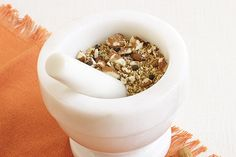 Mortar and Pestle: Old School Kitchen Tool - Food & Nutrition Magazine - July-August 2013 Nutrition And Dietetics, Food Nutrition, High Protien, Kitchen Dinning Room, Rich Recipe, Food Trends, Mortar And Pestle, Food Items, Recipe Using