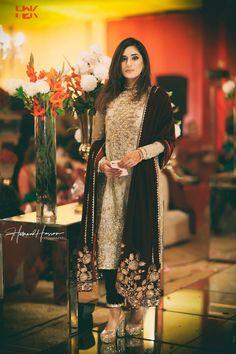 Brides sister / cousin Indian Bridal Outfits, Pakistani Outfits, Indian Dresses, Bridal Dresses, Bridal Suits Punjabi, Velvet Dress Designs, Engagement Dresses, Indian Designer Wear, Winter Dresses