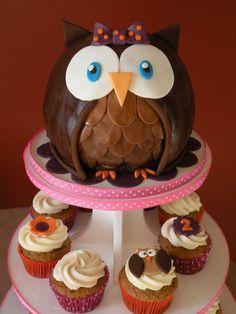 Owl cake & cupcakes CakeChickDani