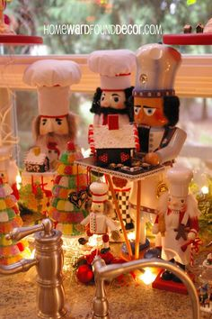 Nutcrackers on the kitchen island. Christmas Open House, Christmas Kitchen, Christmas 2014, Christmas Themes, Christmas Decorations, Holiday Decor, Halloween Labels, Spooky Halloween, Vintage Halloween