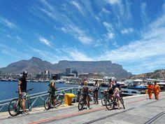 Met de Kaapstad Fietstour zie je in slechts 3 uur tijd alle beroemde highlights en onbekende plekjes van Cape Town. Ontdek dit alles met een echte local als gids. Dit is dé fietstocht om in een korte tijd zo veel mogelijk van de stad te zien.